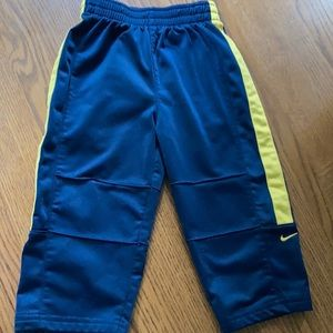 Nike sweatpants sz 18 months